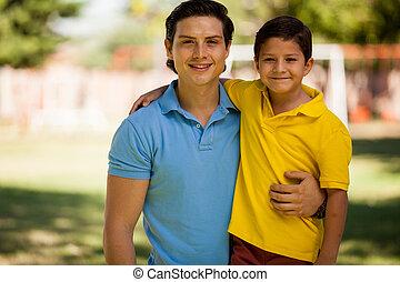 retrato, de, um, pai jovem, e, filho