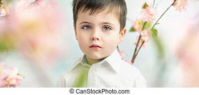 retrato, de, um, sério, cute, menino