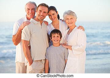 retrato, de, um, sorrindo, família, em, a