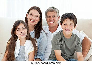 retrato, de, um, sorrindo, família