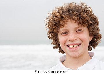retrato, de, um, sorrindo, menino jovem