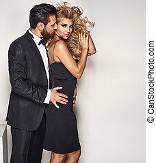 retrato, de, un, atractivo, pareja, en, sensual, postura
