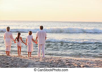 retrato, de, un, familia , al lado de, el, mar