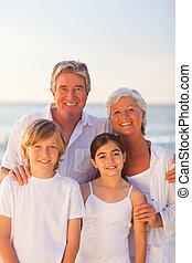 retrato, de, un, familia feliz