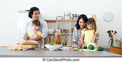 retrato, de, un, familia , preparación almuerzo