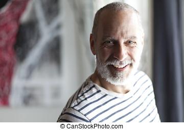 retrato, de, un, hombre mayor, sonriente