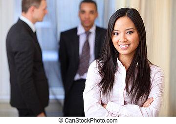 retrato, de, un, joven, hermoso, mujer asiática, en, un,...