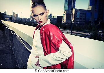 retrato, de, un, modelo, posar, encima, ciudad grande, fondo.