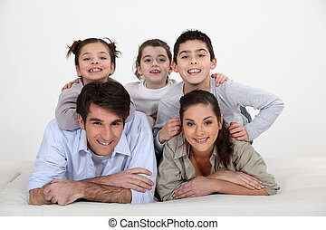 retrato, de, una familia joven