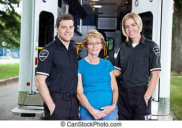 retrato, emergência médica, equipe