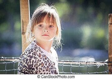 retrato, exterior, niño, niña, joven