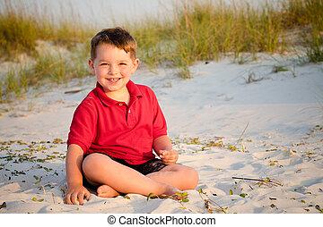 retrato, feliz, praia, criança