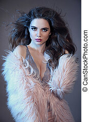 retrato, isolado, cor-de-rosa, longo, sensualidade, moda, alto, desgastar, morena, fundo, tentando, estúdio, lingerie sexy, saudável, cinzento, coat., renda, cabelo, mulher, deslumbrante, pele