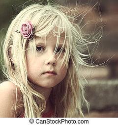 retrato, menina, criança, despreocupado, ao ar livre