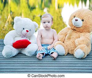 retrato, menino, brinquedos, cute
