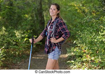 retrato, mujer, caminata, tenencia, naturaleza, bastón