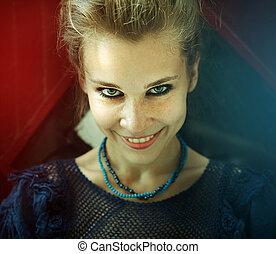 retrato, mujer sonriente, natural, feliz