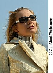 retrato, mulher, ao ar livre, moda