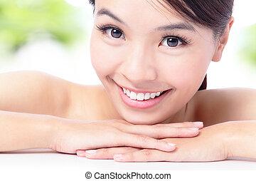 retrato, mulher, atraente, sorrizo