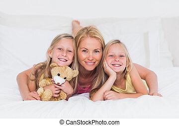 retrato, mulher, cama, dela, crianças