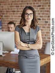 retrato, mulher, escritório, dela