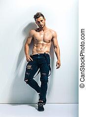 retrato, muscular, cheio, homem, comprimento, shirtless, excitado
