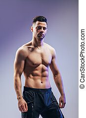 retrato, muscular, homem, posar, shirtless, excitado
