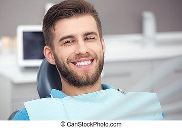 retrato, paciente dental, chair., feliz