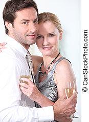 retrato, par, champanhe