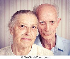 retrato, par, closeup, sorrindo, idoso