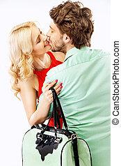 retrato, par, jovem, beijando