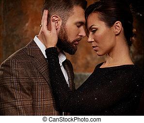 retrato, pareja, expresión, bien vestido, sentimientos