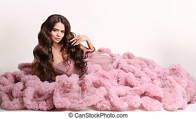 retrato, pendente, isolado, maquilagem, vestido cor-de-rosa, jóia, longo, ondulado, moda, morena, fundo branco, estúdio, estilo, saudável, cabelo, mulher, deslumbrante