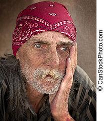 retrato, pensativo, sin hogar, hombre