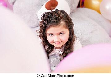 retrato, pequeno, encantador, marrom-brown-eyed, menina