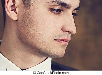 retrato, primer plano, guapo, hombre