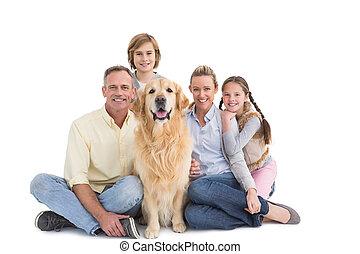 retrato, seu, sorrindo, família, junto, cão, sentando