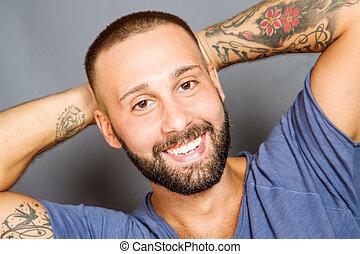 retrato, sorrindo, beared, homem