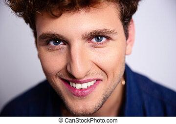 retrato, sorrindo, bonito, closeup, homem