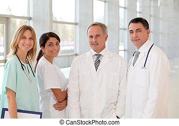 retrato, sorrindo, equipe médica