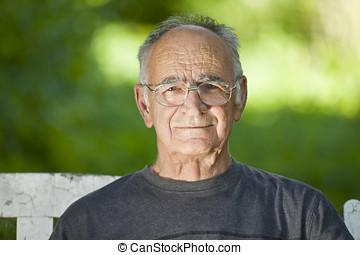 retrato, sorrindo, homem idoso