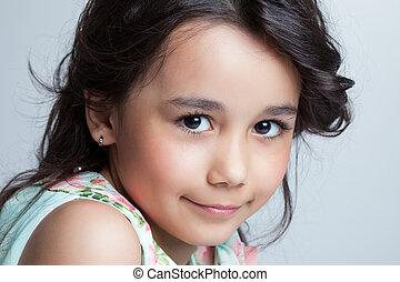 retrato, sorrindo, marrom-brown-eyed, menina