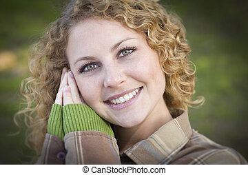 Retrato, sorrindo, mulher, jovem, bonito