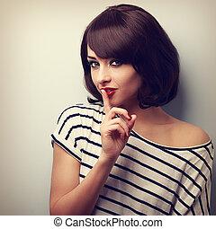 retrato, style., jovem, sinal., vindima, silêncio, maquilagem, cabelo, mulher, bonito, shortinho, mostrando