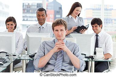 retrato, trabalho, dinâmico, equipe negócio