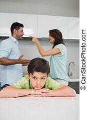retrato, triste, pais, enquanto, closeup, discutir, filho