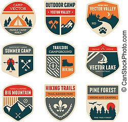 retro, acampamento, emblemas