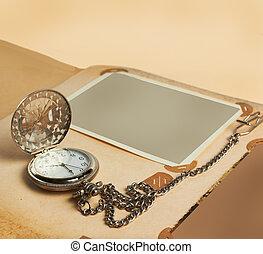 retro, album, pagina, con, vendemmia, orologio, con, catena