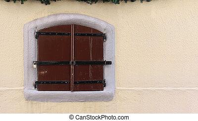 Retro cloosed window