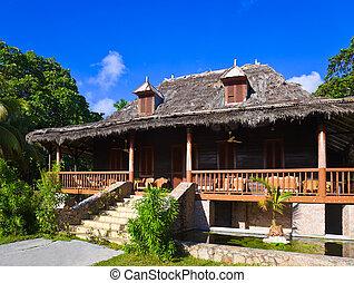 Retro colonial house